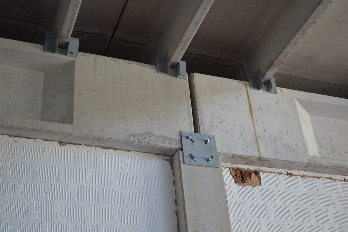 miglioramento antisismico edifici industriali > eiseko computers